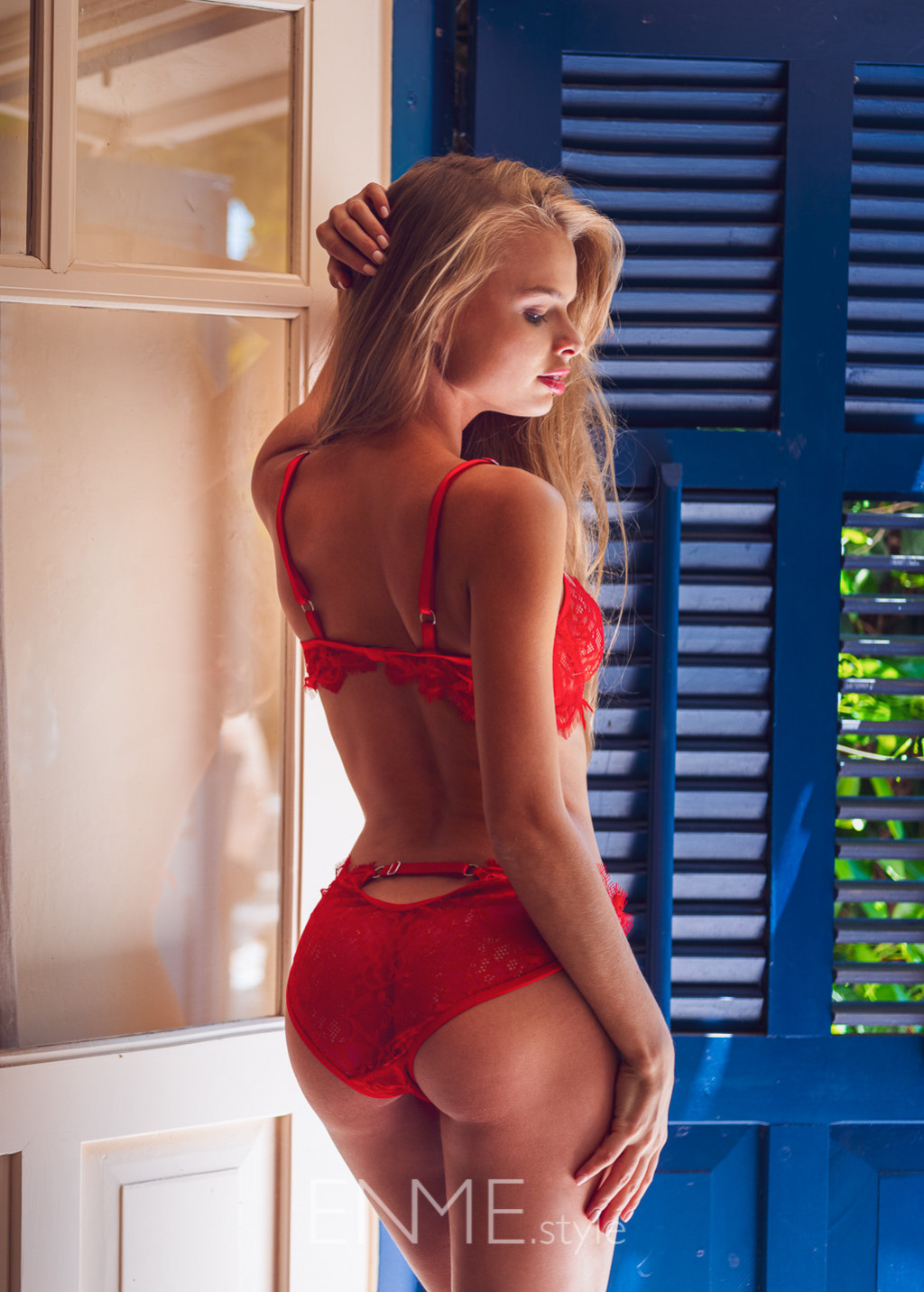 Red Balconette And Bikini In Lace